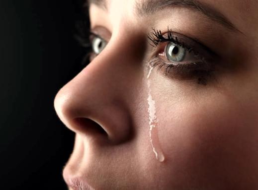 Слезы, много слез...